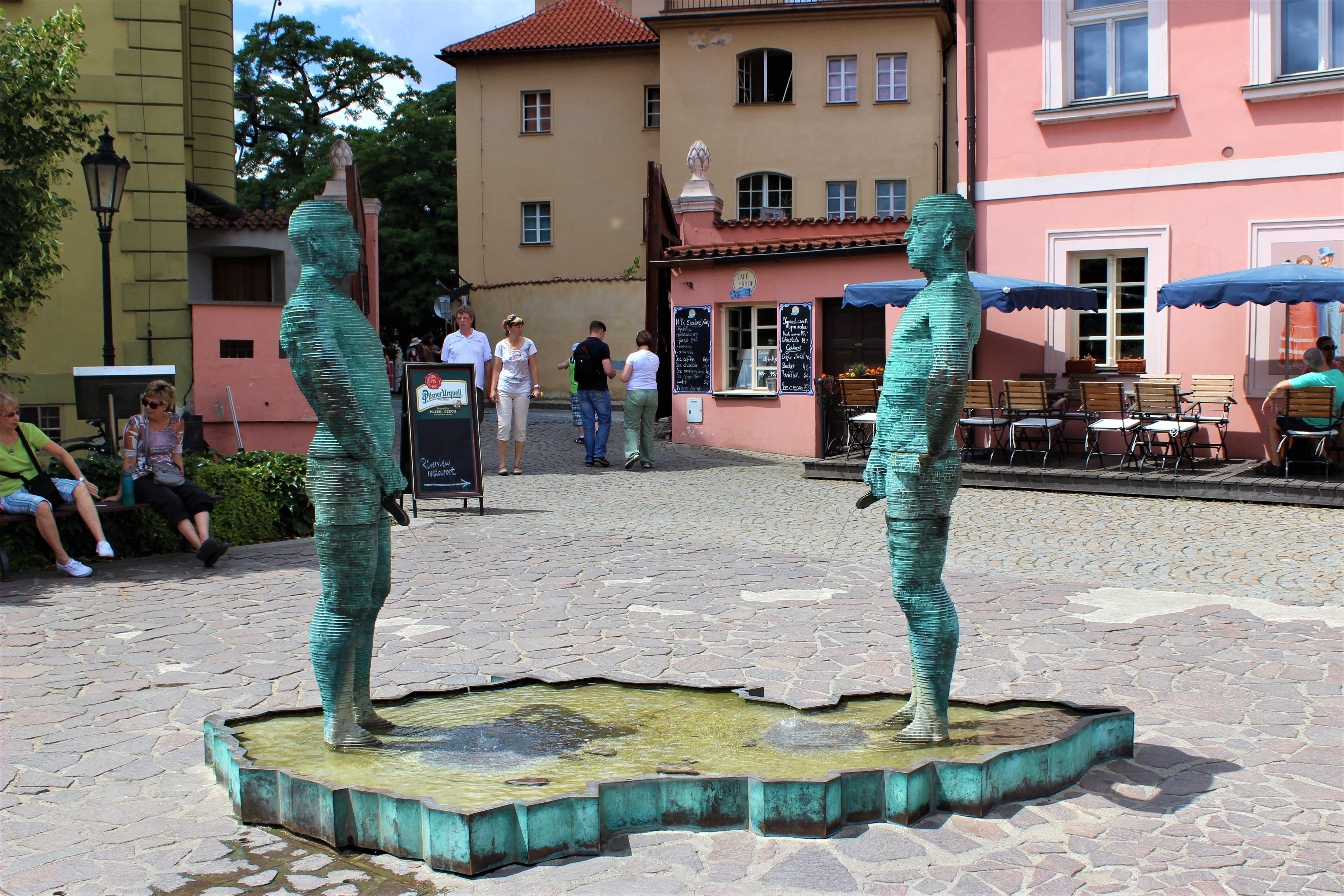 Praha,_Hergetova_cihelna,_čůrající_fontána_(3)